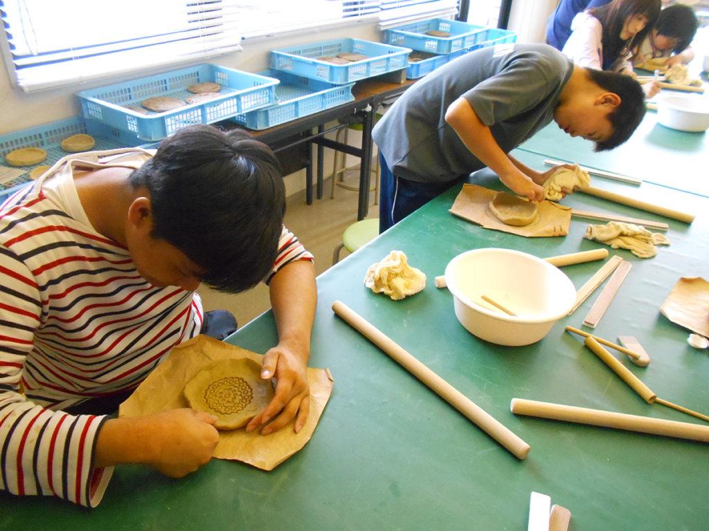 お皿作り体験(ふるさと考古歴史館)
